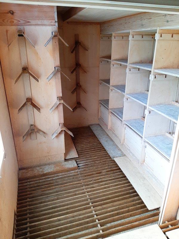 Picture of clean pigeon loft De Belser Johan